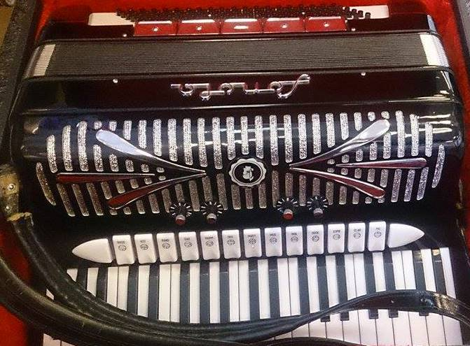 sonola pa jolly roger accordions. Black Bedroom Furniture Sets. Home Design Ideas