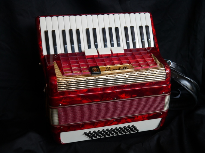 scandalli piano accordion for sale sold jolly roger accordions. Black Bedroom Furniture Sets. Home Design Ideas