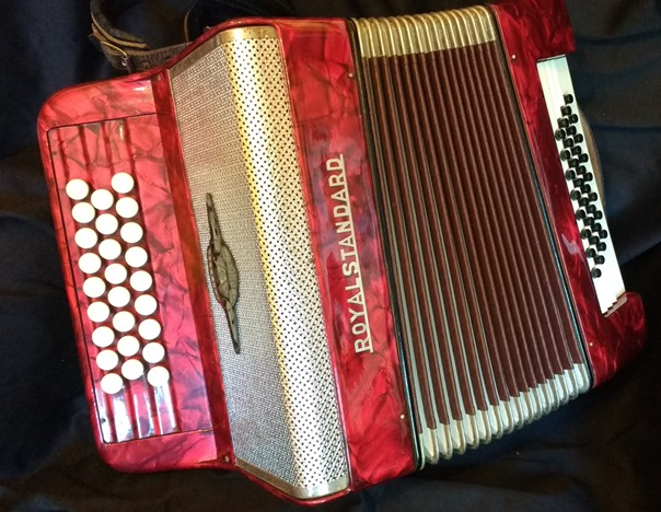chromatic button accordion 32 bass jolly roger accordions. Black Bedroom Furniture Sets. Home Design Ideas