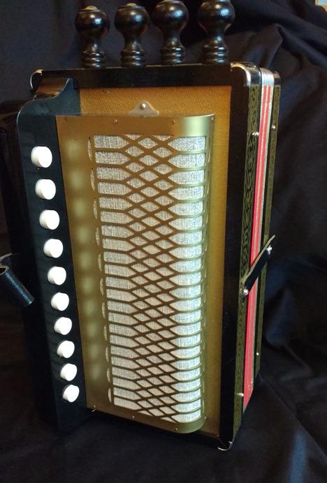 hohner ha114c cajun accordion melodeon jolly roger accordions. Black Bedroom Furniture Sets. Home Design Ideas