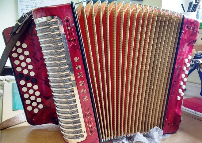 hohner trichord ii jolly roger accordions. Black Bedroom Furniture Sets. Home Design Ideas
